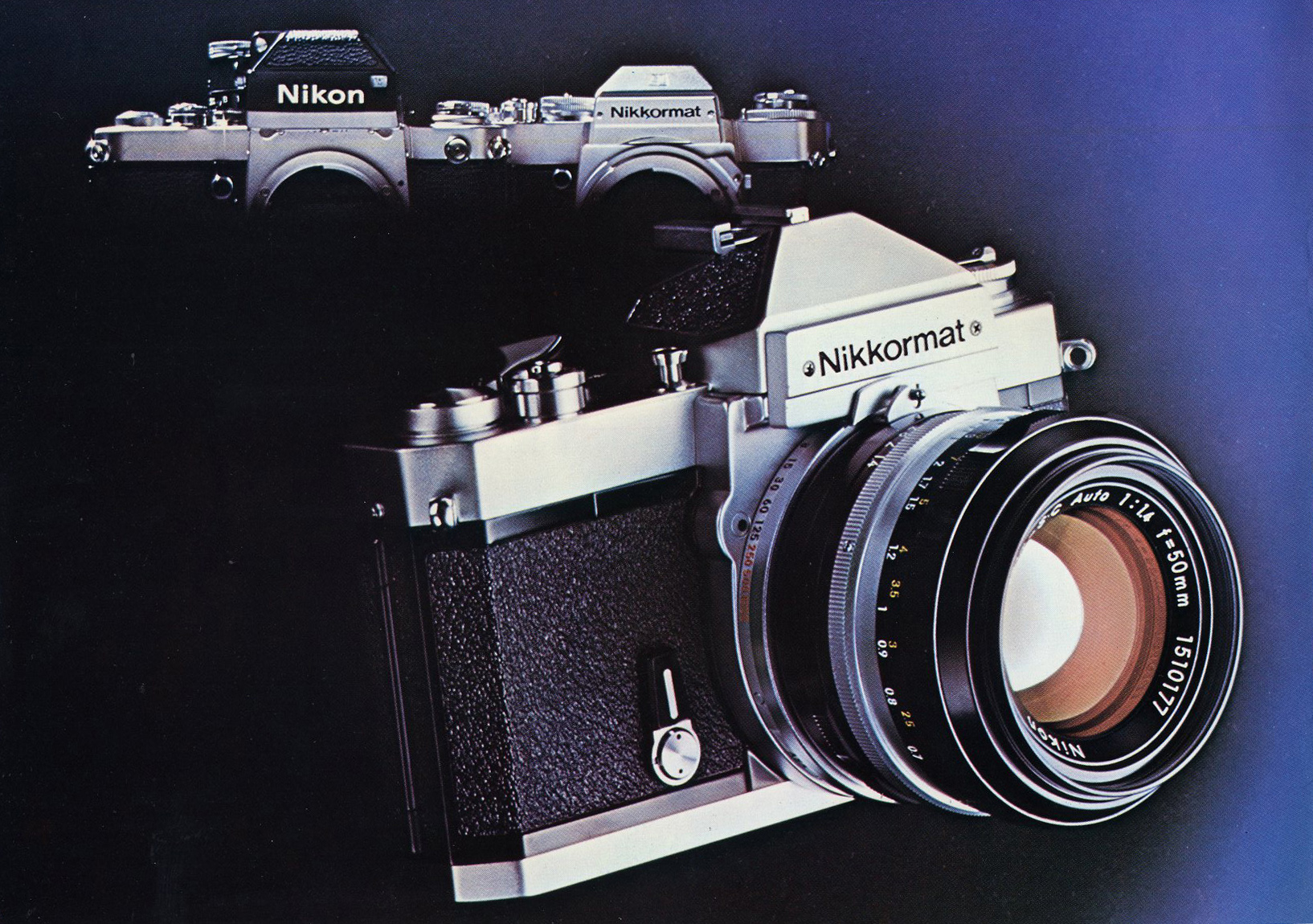 Nikkormat FT2 aquf einem Nikon-Werbefoto